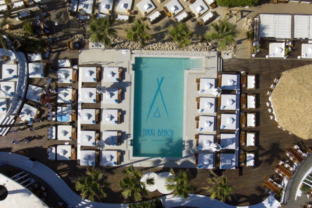 Vista desde arriba de el beachclub Nikki Beach
